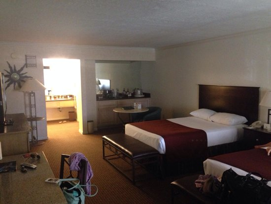 Scottsdale Plaza Resort: Spacious rooms