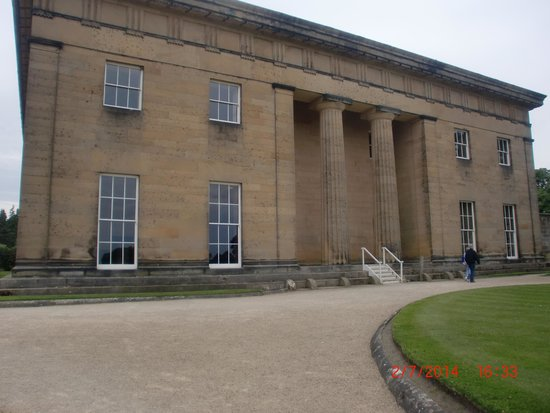 Belsay Hall, Castle and Gardens: the hall