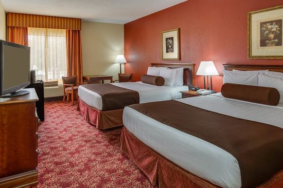 BEST WESTERN  Fort Lauderdale Airport/Cruise Port: Two Queen Guest Room