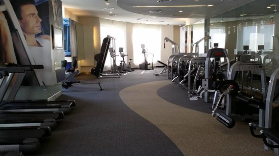 Grande Centre Point Hotel Ratchadamri : Well equipped gym