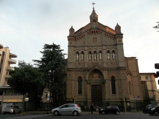 7 Santi Hostel: Erkennungszeichen Kirche!