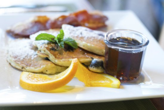 Applewood Inn: Applewood is for breakfast lovers!