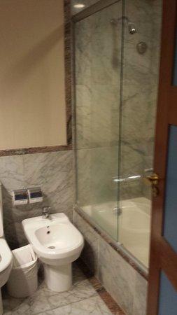 Pestana Sao Paulo : Banheiro do Quarto. Boa ducha