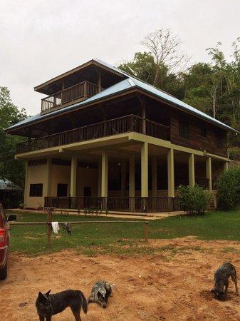 Martz Farm Treehouses and Cabanas Ltd.: Lodge