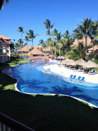 Majestic Colonial Punta Cana: Other side of the pool
