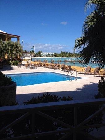 Augusta Bay Bahamas : The salt water pool