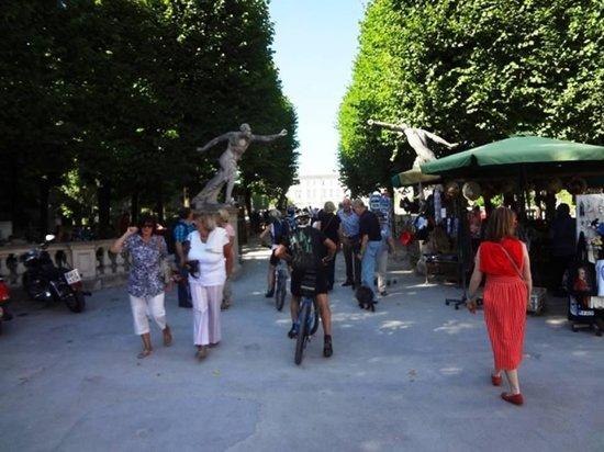 พระราชวังและสวนมิราเบลล์: Garden Entrance