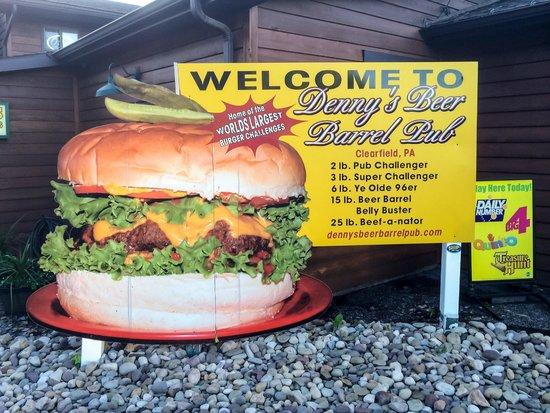 Denny's Beer Barrel Pub: Denny's Challenge Burgers