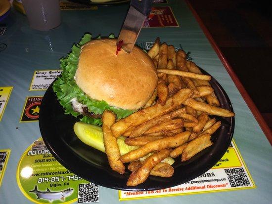 Denny's Beer Barrel Pub: Half Pound Burger and Beer Battered Fries