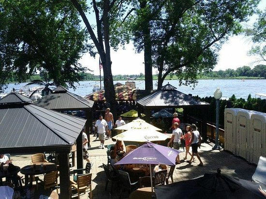 Fox Lake, IL: On deck overlooking covered seating and yet another bar!