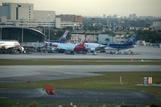 Hilton Miami Airport: Näkymä kentälle