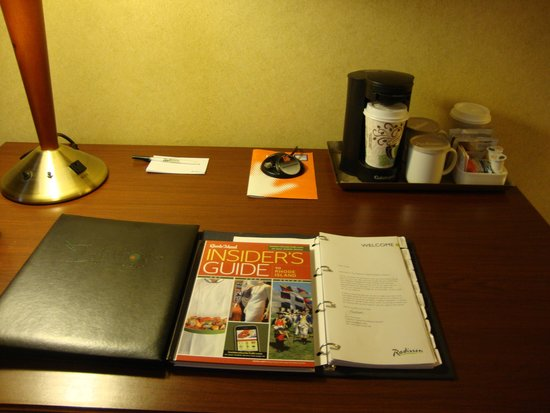 Radisson Hotel Providence Airport : Desk