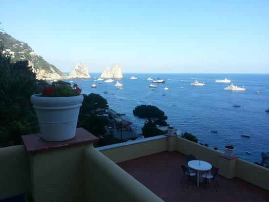 Hotel Weber Ambassador Capri: MARINA PICCOLA's View from the balcony