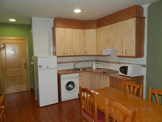 Apartamentos Arquillo: kitchen