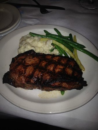 Mike Dianna's Grill Room: Steak