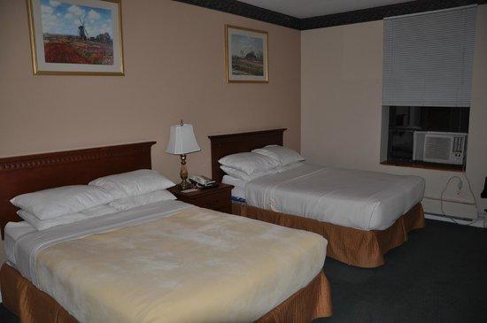 Hotel St. James : habotacion