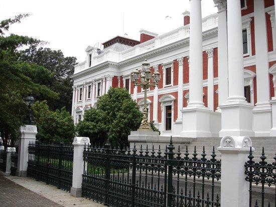 Company's Gardens: Government buildings