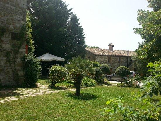 Agriturismo Valdichiascio: Giardino