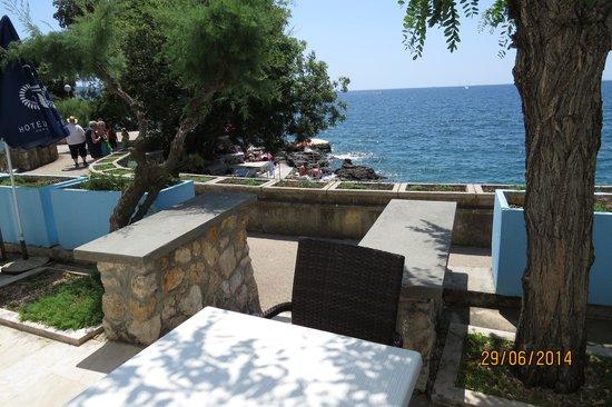 Drazica Hotel : Kilátás a teraszról