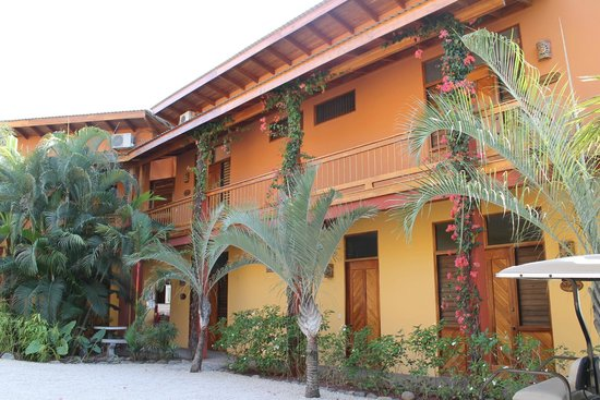 Costa Rica Yoga Spa: Exterior picture of balcony and grounds