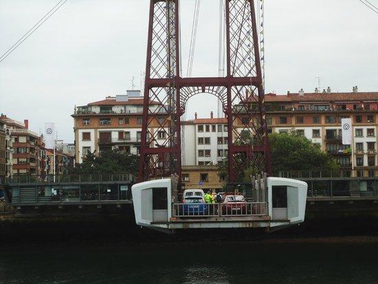 Puente Bizkaia: ...einfach mal die Seite wechseln