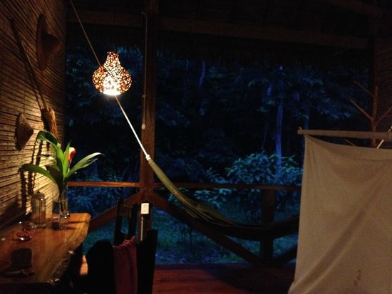 Refugio Amazonas: Room by night before lights are switched off