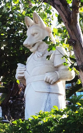 Hilton Waikoloa Village: Trollicks & other art & creatures throughout grounds