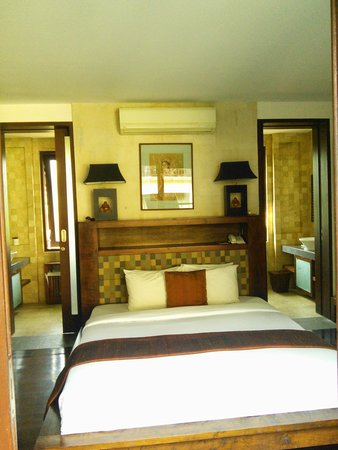 Gending Kedis Villas & Spa Estate: the main bedroom