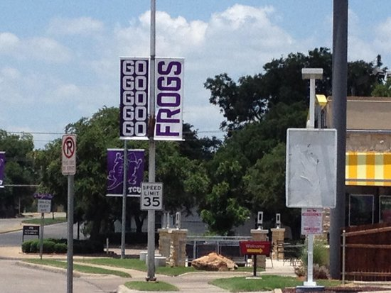 Texas Christian University: Purple signs everywhere !