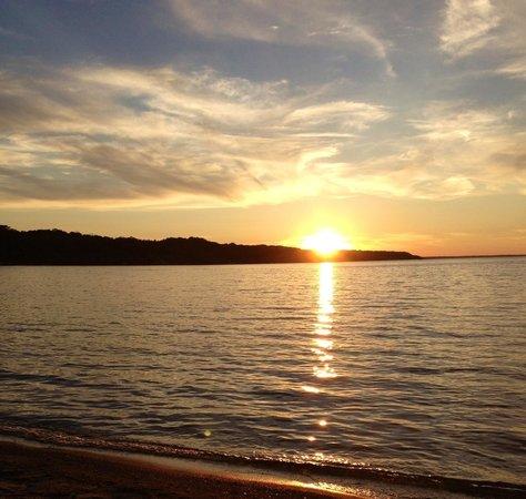 Crystal Lake Resort : Beautiful Sunsets