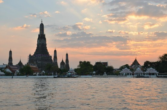 Templo del Amanecer (Wat Arun): sceneric view during sunset