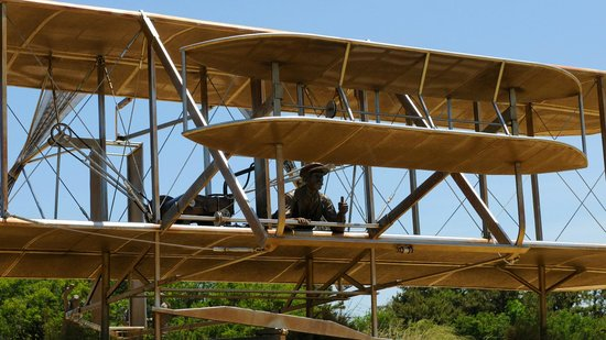 Wright Brothers National Memorial: December 17, 1903 sculpture
