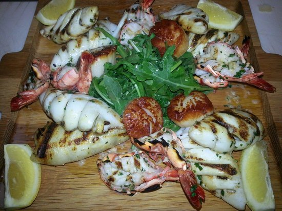 Pasquale's Trattoria: Seafood platter Grilled Shrimp, Grilled Calamarri, Pan seared scallops