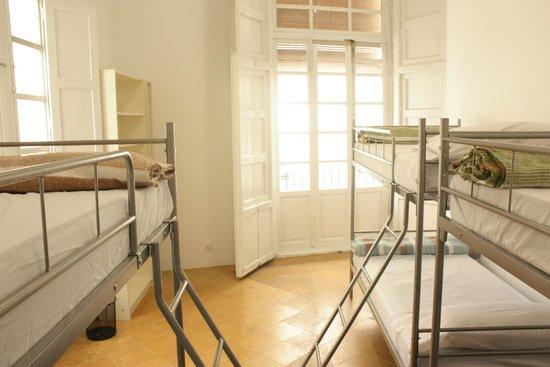 Innsa Hostel: Habitación