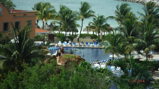 Hotel Marina El Cid Spa & Beach Resort: pool view from our room