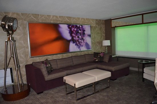 MGM Grand Hotel and Casino: Sofa area in the Tower Spa Suite