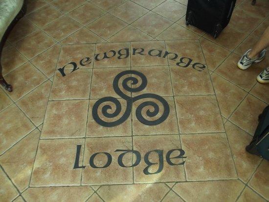 Newgrange Lodge: Logo