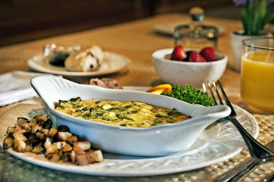 Meritage Meadows Inn: A wide variety of gourmet breakfasts for every diet.