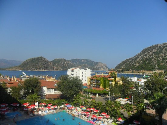 L'Etoile Hotel: Balcony View