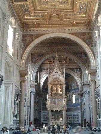 Arcibasilica di San Giovanni in Laterano: Внутри собора
