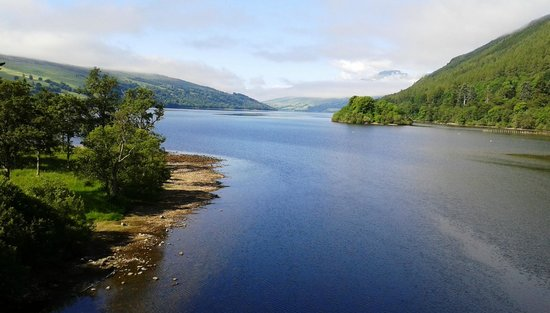 The Waterfront Restaurant: Loch Tay from Kenmore