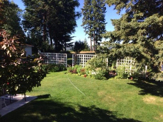 Ridgeview Gardens Bed and Breakfast: The Gardens