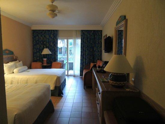 Hotel Barcelo Maya Beach: Esta una habitación sencilla