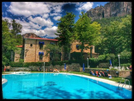 Real Balneario Solan de Cabras: Piscina con aguas medicinales