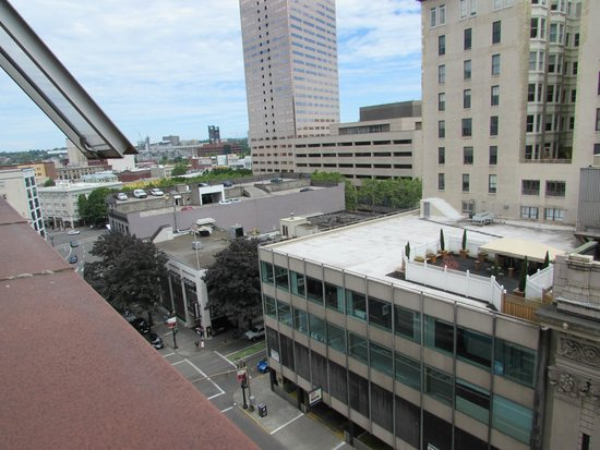 Benson Hotel: Broadway View