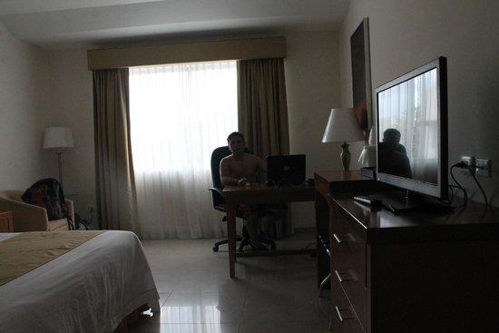 Holiday Inn Express Playa Del Carmen : Habitaciones espaciosas, modernas , impecables