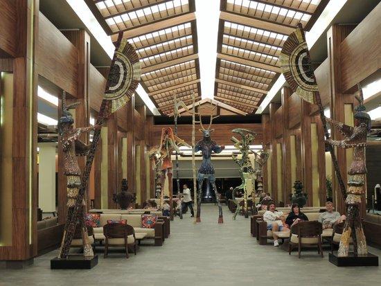 Hotel Barcelo Maya Beach: Lobby del hotel