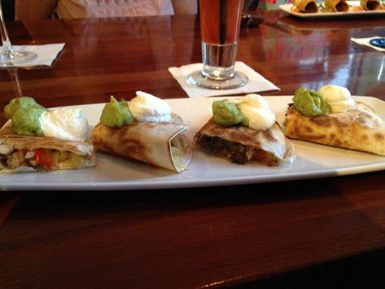 Cantina Laredo: Quesadillas