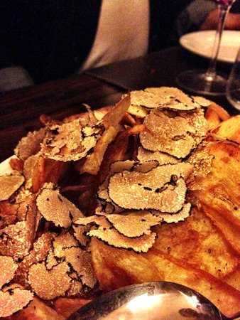 Osteria delle Tre Panche: Truffle potatoes to die for!