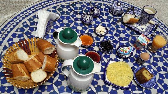 Riad Rcif: colazione al mattino